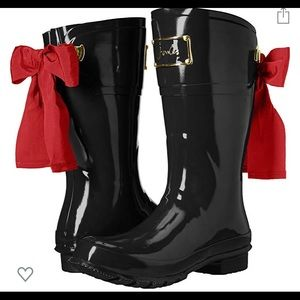 Size 8 women's cute red bow rain boots.